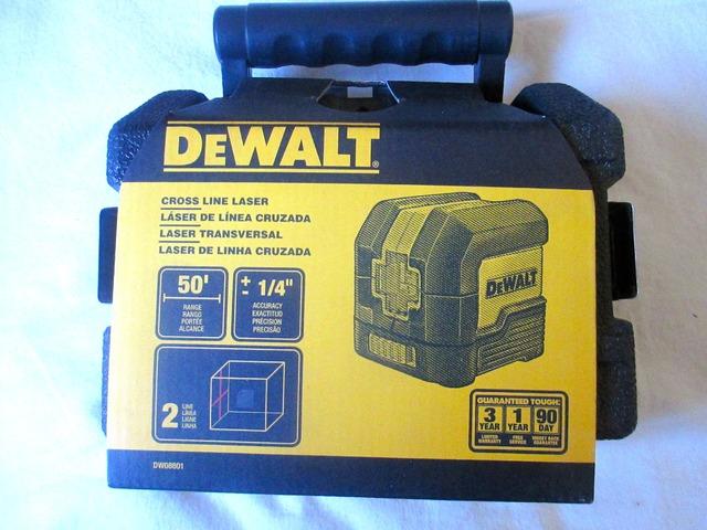 NEW DEWALT DW08801 LASER LEVEL